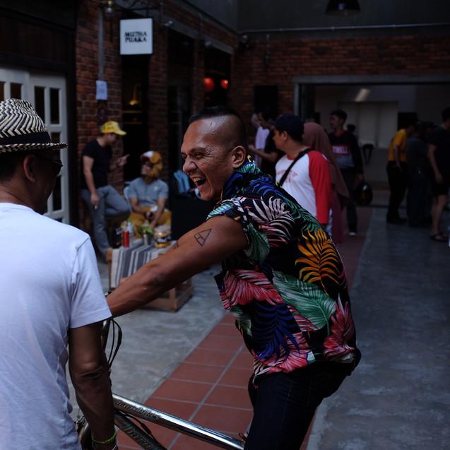 tarik jeans at alley rush