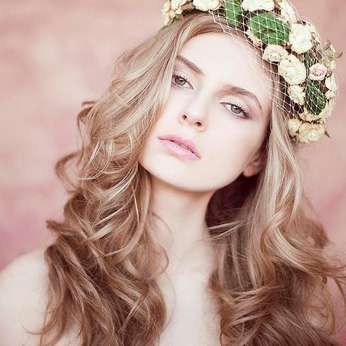 Alexandra איפור ועיצוב שיער של אלונה בל