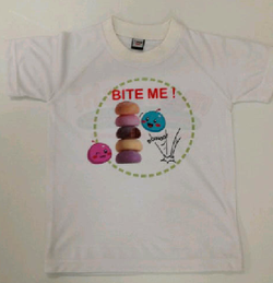 Print on T-Shirt front look