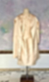 真行寺君枝が縫ったヌードカラー のシルクのワンピース&コート