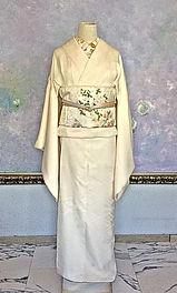 真行寺君枝が縫った着物と日本刺繍した半襟