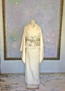 真行寺君枝が手縫いした訪問着と日本刺繍を刺した半襟