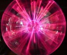 プラズマランプは、ニコラ・テスラによる発明