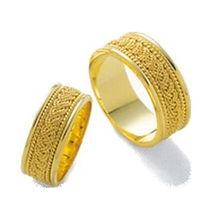 トレソロ結婚指輪ゴールドクローセット.jpg