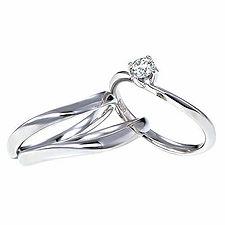 モンシュシュ婚約指輪
