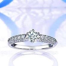 ブルーリバー|婚約指輪