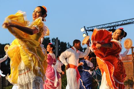 Danses-et-Rythmes-du-Monde-2012-0529.jpg