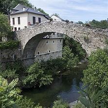 1024px-Sain_Jean_du_Bruel-Pont_Roman-201