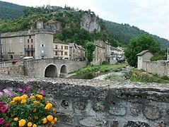 1280px-Meyrueis-Vue_du_pont-356e5c62.jpg