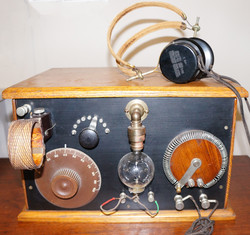 Audion Radio Receiver