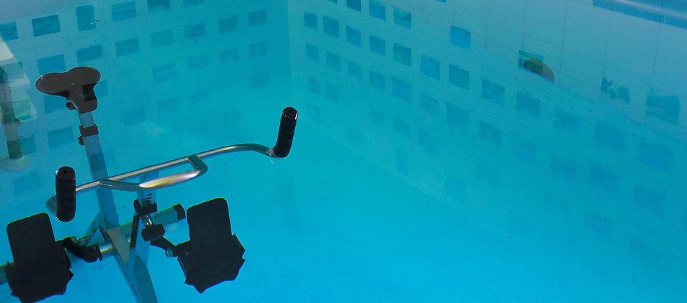 aquabike_piscine_cabinetvezinet.jpg