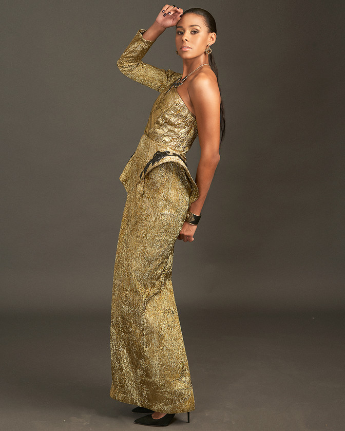 Single shoulder peplum gold gown