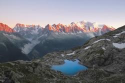 Le lac Blanc face au Mont Blanc