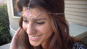 Prepare your best festival outfits: 3 festival jewelry must-wear trends