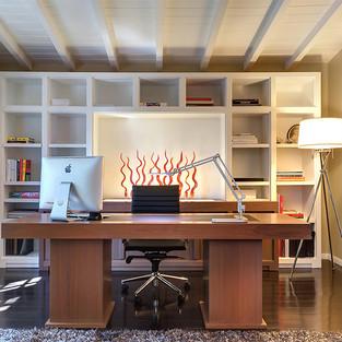 Sohn Desk front.jpg