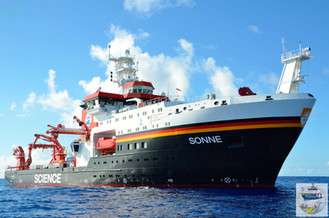 Studying oceanic crust: geology on board a research vessel