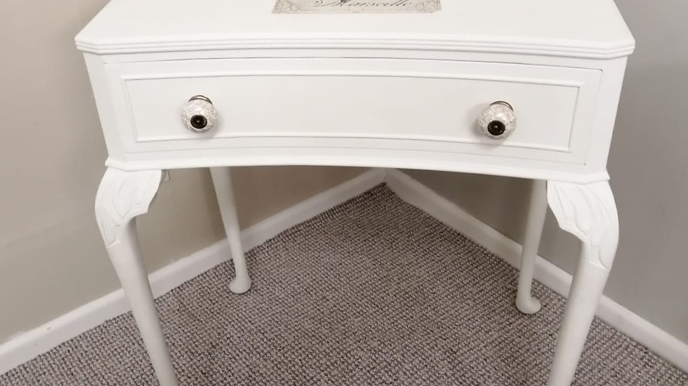 Cream Console Table With Transfer