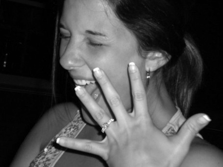 """You're Engaged! Now What? 10 Things to Do Now That You've Said """"Yes"""""""
