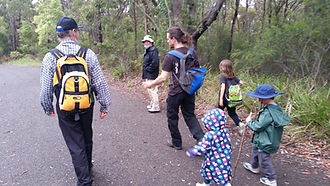Mid Mountains Bushwalkers Heading Out.jp