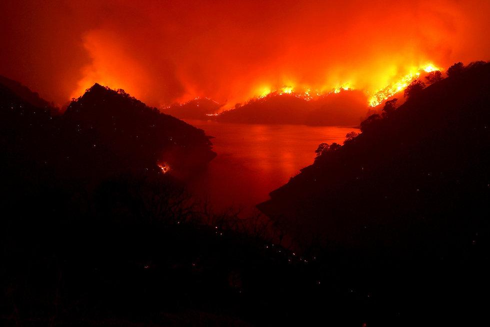 lnu-lightning-complex-fire-california.jp