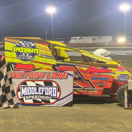Last Corner Pass Works for Neary at Middleford Speedway