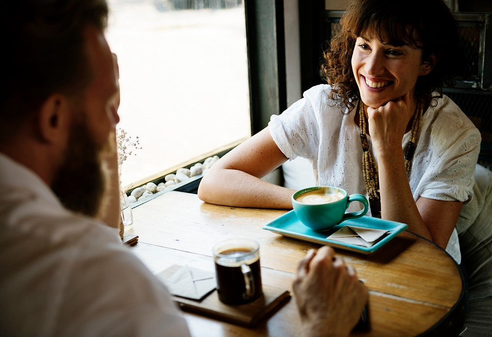coffee,date,smiling,table