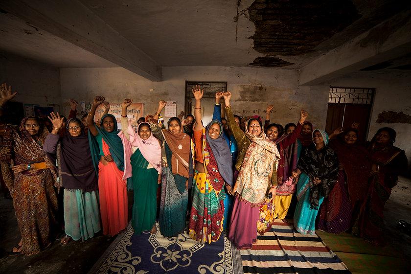 055 Group of women, Bagahi Batta_sk.jpg