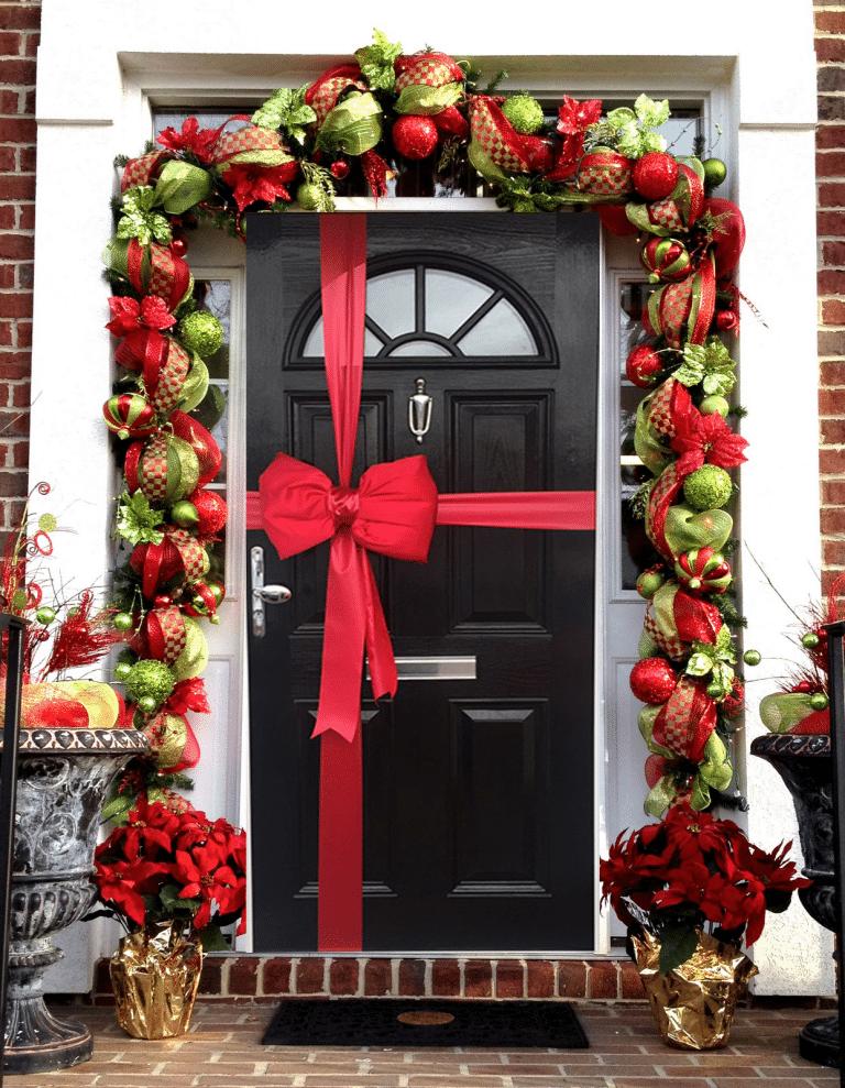 Newbiggin Locksmith, Christmas, Door, Lock, Handle, Letterbox, Decorations, Eurolock, Wooden door,