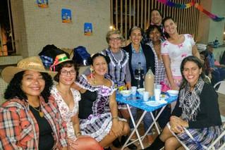 Mais uma vez, atletas e amigos participaram da festa Julina da Assessoria André Cavalcanti. Muito ob