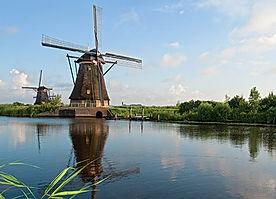 Kinderdijk-windmills.jpg