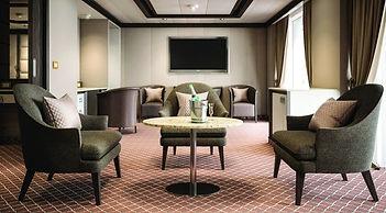 silver suite.jpg