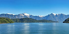 Puerto_Chacabuco_Aysen_Fjord_Alamy.jpg