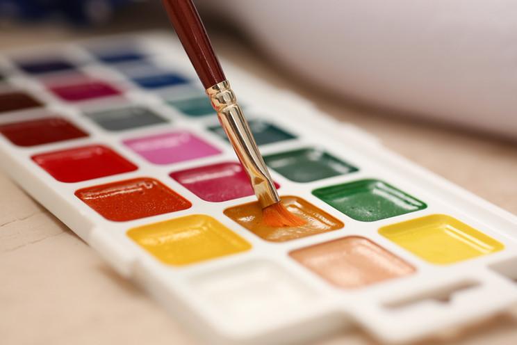 088334648-brush-point-watercolor-paint-c