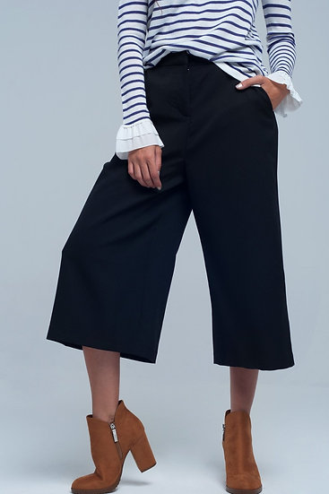 Wide-cut Cropped Legs Culotte in Black