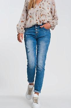 wrinkled-boyfriend-jeans-in-light-denim-