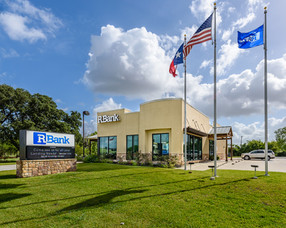 Commercial-branding-photography-bank-exterior-architectural-Edna-Texas.jpg