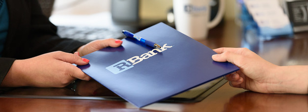 Commercial-branding-photography-bank-clerk-banker-lender-transaction-customer-service (2).jpg