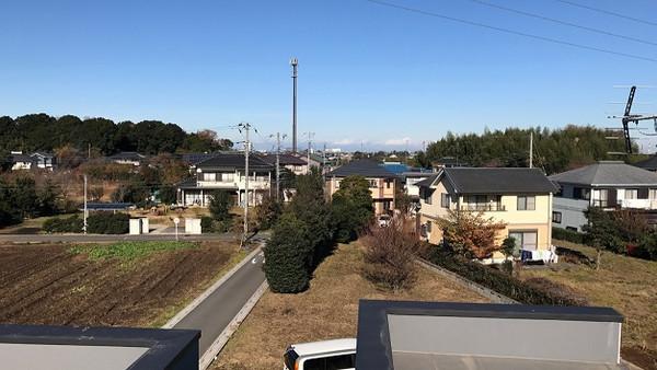 埼玉県白岡市の住宅|t h r o u g h|