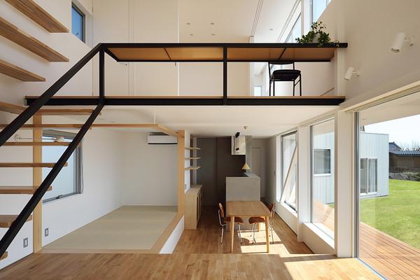埼玉県熊谷市の住宅|t h e r e|