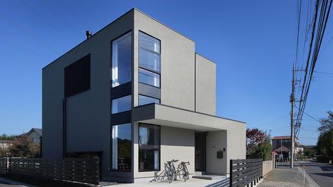 |through| 埼玉県白岡市の住宅