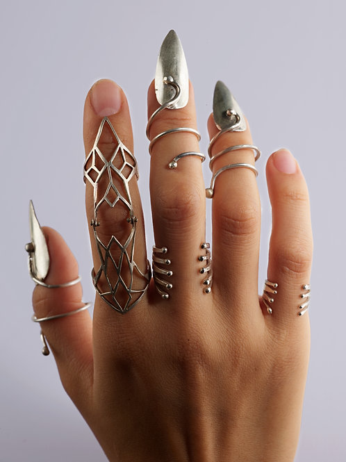 STILETTO NAIL RING