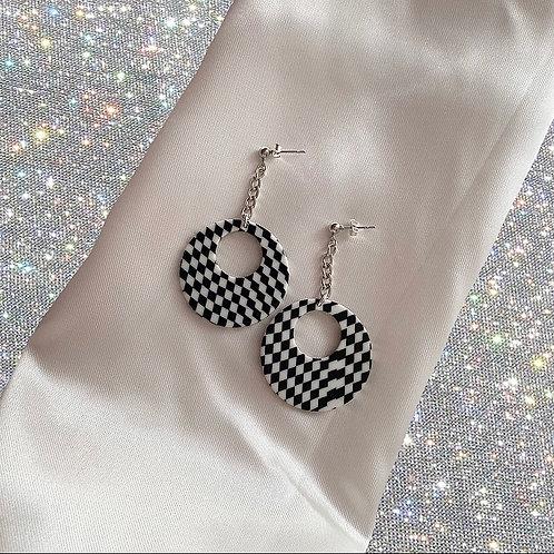 Retro checkerboard chain earrings