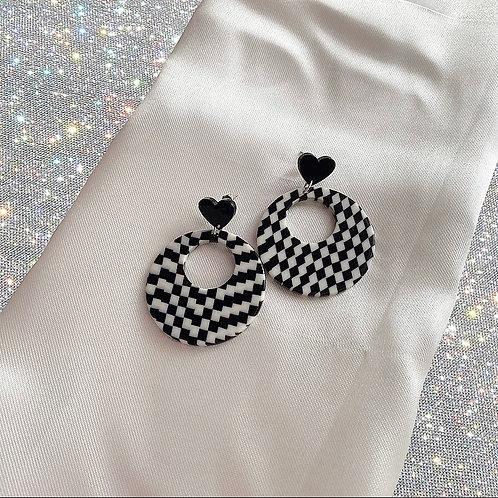 Retro checkerboard heart earrings