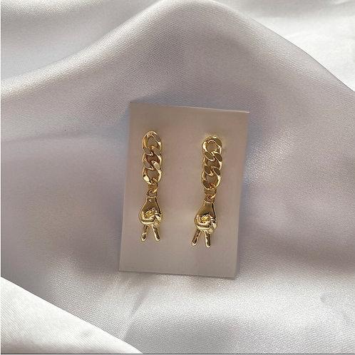Gold peace symbol chain earrings ✌️