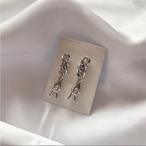 Silver peace symbol chain earrings ✌️