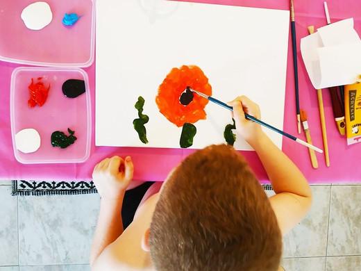 מה שונה אצל ילד או בוגר עם אוטיזם?