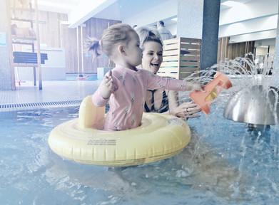 Wodne zabawy i ochrona uszu w kąpieli