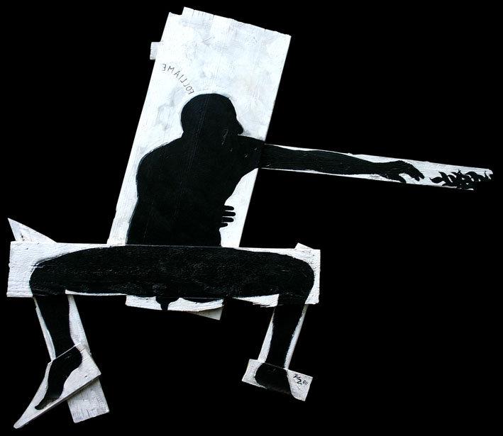 FOLLIAME- opera pittorica, su assi di legno recuperate, di carlo de meo - sagoma in bianco e nero, figura seduta che tende la mano verso delle foglie