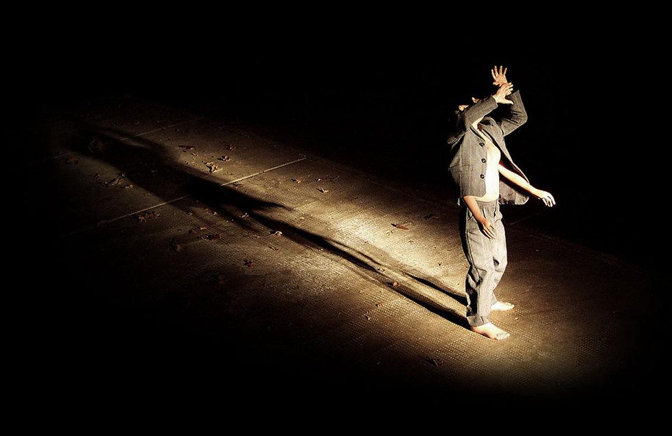 luce abbagliante, uomo quattro braccia, carlo de meo, scultura, arte contemporanea, fondazione pistoletto