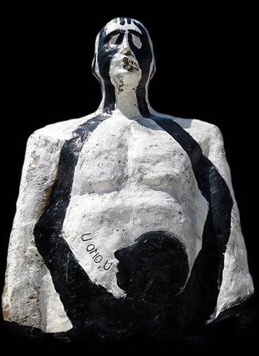 """U omo U - opera di carlo De Meo realizzata nella corte dell'università di Lettere di SM Capua Vetere - Il progetto/work in progress """"Le Aule dell'Arte"""""""